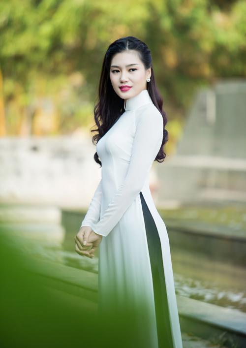 """Ngọc Hân chăm chút cho """"đàn em"""" Kiều Anh - 3"""