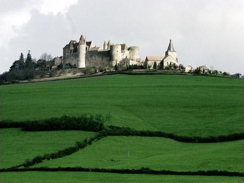 Khám phá những lâu đài cổ kính nhất châu Âu - 3