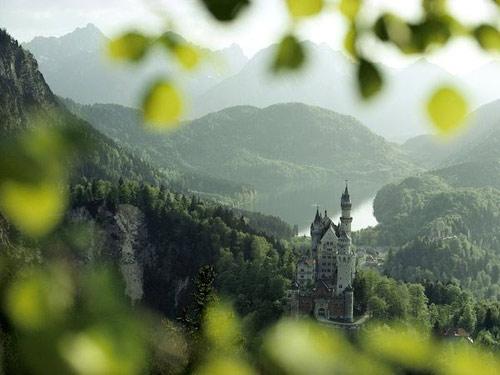 Khám phá những lâu đài cổ kính nhất châu Âu - 4