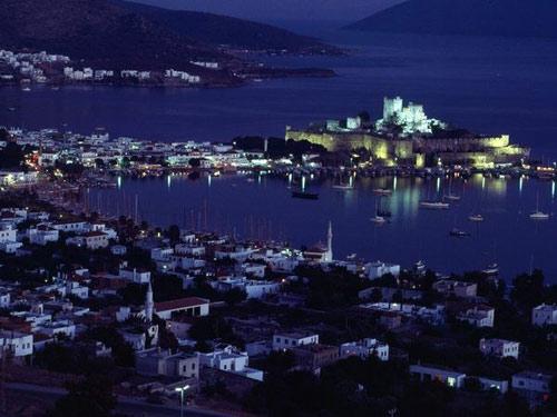 Khám phá những lâu đài cổ kính nhất châu Âu - 6