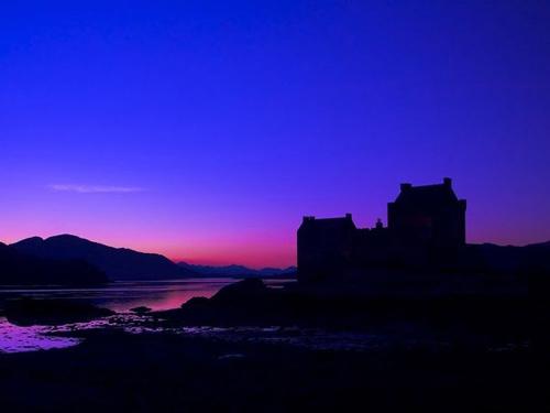 Khám phá những lâu đài cổ kính nhất châu Âu - 8