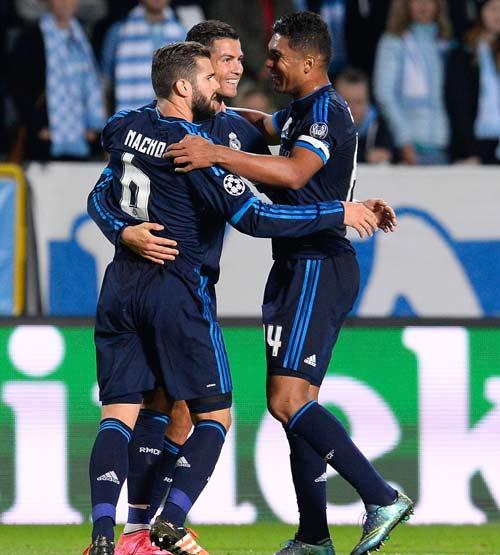 Chùm ảnh: Ronaldo hân hoan trong ngày đi vào lịch sử - 4