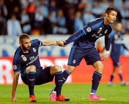 Chùm ảnh: Ronaldo hân hoan trong ngày đi vào lịch sử - 5