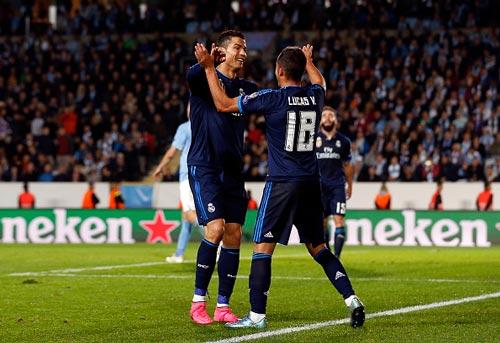 Chùm ảnh: Ronaldo hân hoan trong ngày đi vào lịch sử - 7