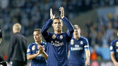 Chùm ảnh: Ronaldo hân hoan trong ngày đi vào lịch sử - 9