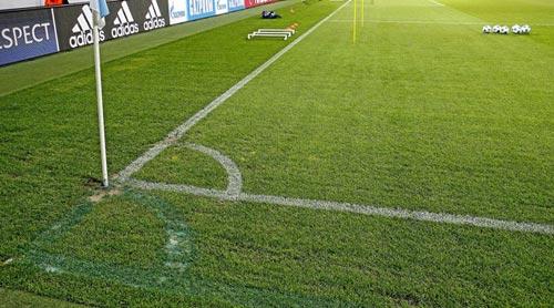 Sôi động C1 1/10: Cứu Barca, Suarez được vinh danh - 2