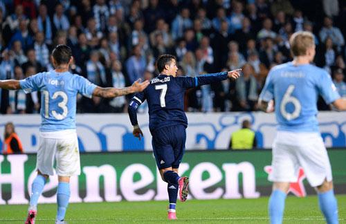 """Real: """"Chiếc lò xo Ronaldo"""" lại bật tung - 2"""