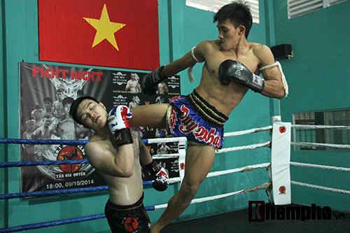 Võ sỹ Duy Nhất tung chiêu Muay Thái cực đỉnh - 9