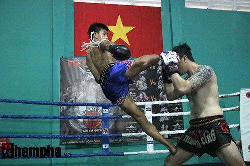Võ sỹ Duy Nhất tung chiêu Muay Thái cực đỉnh - 10