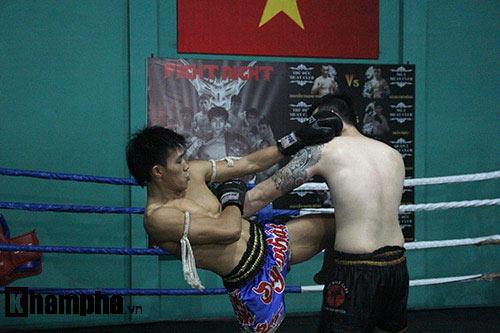 Võ sỹ Duy Nhất tung chiêu Muay Thái cực đỉnh - 12