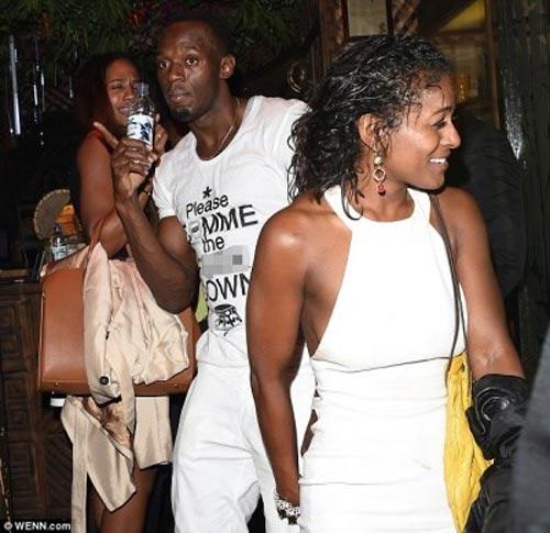 """Usain Bolt thác loạn, """"đốt tiền"""" bên vũ nữ - 2"""