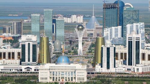 """""""Tý hon"""" Astana: Giàu hơn Real, trình tầm V-League - 2"""