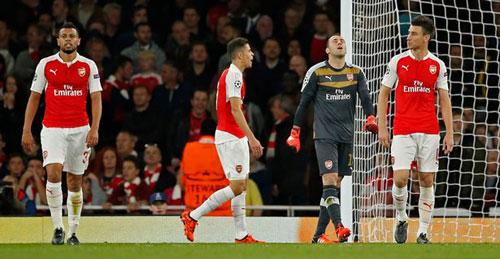 BXH UEFA: Thua 2 trận, Arsenal sắp rơi khỏi top 10 - 1