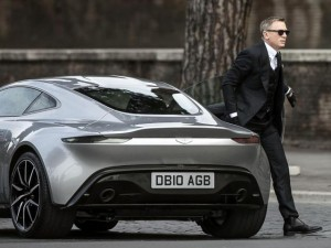 Phim - Đoàn làm phim 007 chơi trội khi phá hủy 7 siêu xe