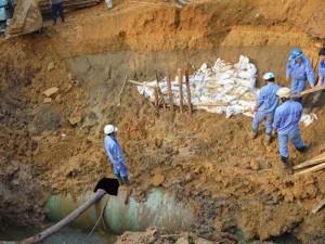 Tin tức trong ngày - Đường ống nước từ sông Đà về Hà Nội liên tiếp bị vỡ