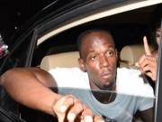 """Thể thao - Usain Bolt thác loạn, """"đốt tiền"""" bên vũ nữ"""