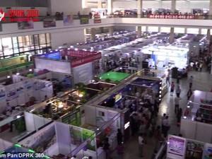 Tin tức trong ngày - Bên trong hội chợ thương mại sầm uất ở Triều Tiên