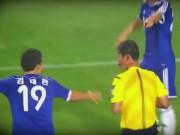 Bóng đá - Hài hước: Trọng tài cho cầu thủ bịt mắt chọn thẻ