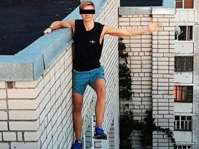 """Nam sinh chết thảm vì """"tự sướng"""" trên mái nhà 9 tầng"""