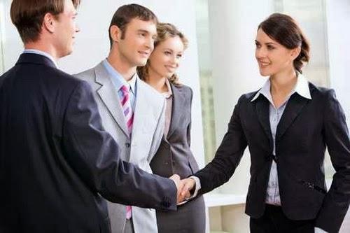 5 lưu ý giúp bạn giao tiếp khôn khéo nơi công sở - 1