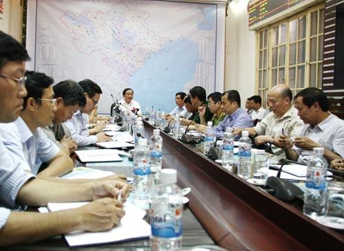 Phó Thủ tướng Hoàng Trung Hải họp khẩn ứng phó bão Cầu Vồng - 2