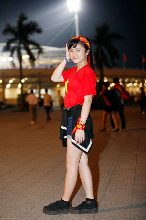 """Arsenal - MU: Tú Linh, """"crying girl"""" hâm nóng đại chiến - 6"""
