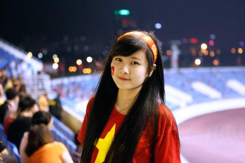 """Arsenal - MU: Tú Linh, """"crying girl"""" hâm nóng đại chiến - 5"""