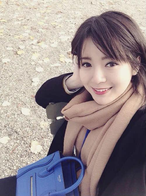 """Arsenal - MU: Tú Linh, """"crying girl"""" hâm nóng đại chiến - 11"""