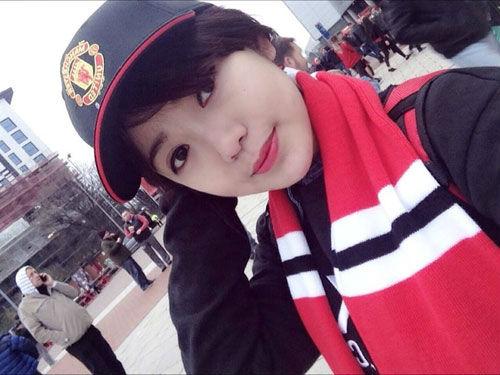 """Arsenal - MU: Tú Linh, """"crying girl"""" hâm nóng đại chiến - 10"""