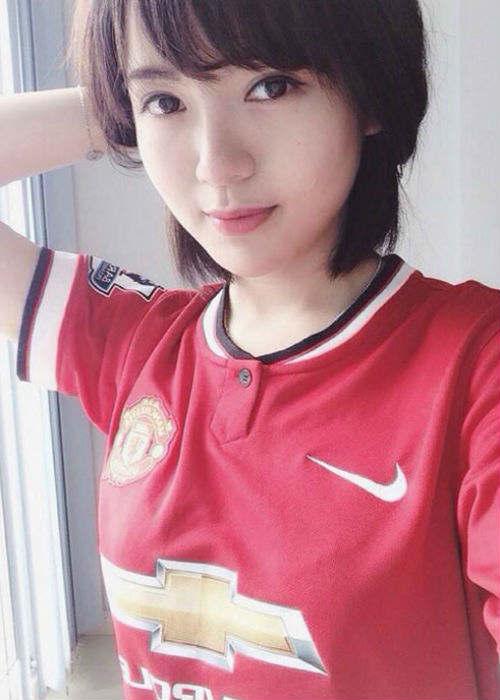 """Arsenal - MU: Tú Linh, """"crying girl"""" hâm nóng đại chiến - 9"""
