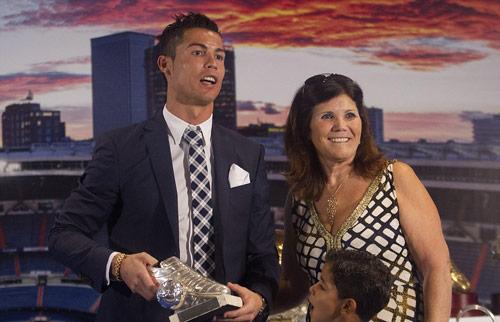 """Tự nhận là """"kẻ khốn"""", Ronaldo vẫn được săn đuổi - 8"""