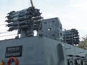 Tin tức trong ngày - Sức mạnh chiến hạm tàng hình Ấn Độ vừa đến Đà Nẵng