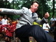 """Bóng đá - Van Gaal còn """"gàn"""" hơn cả Sir Alex và Wenger"""