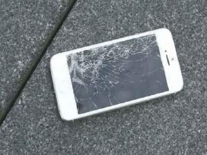 Màn hình nứt vỡ là một trong những sự cố hỏng hóc nhiều nhất của smartphone