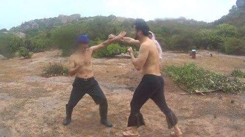 """Video: Xuân Bắc đọ cơ bắp cùng """"ông bố đại gia"""" - 3"""