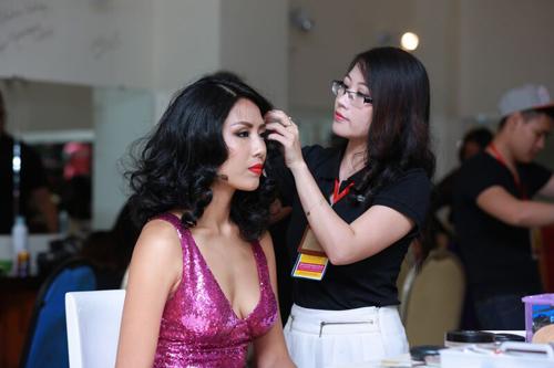 Phạm Thị Hương là tân Hoa hậu Hoàn vũ Việt Nam 2015 - 14