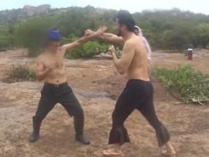 """Ngôi sao điện ảnh - Video: Xuân Bắc đọ cơ bắp cùng """"ông bố đại gia"""""""