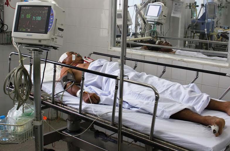 Sập công trình ở Cần Thơ: 1 nạn nhân chuyển viện tuyến trên - 1