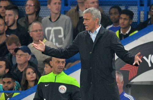 Tin HOT tối 4/10: Terry vẫn ủng hộ Mourinho - 1