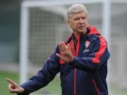 """Bóng đá - Thua MU không thể """"đá"""" Wenger khỏi Arsenal"""