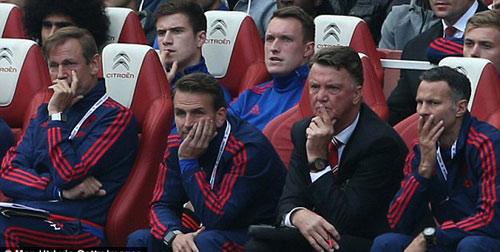 Van Gaal thấy MU sẽ trở lại mạnh mẽ sau thất bại - 3