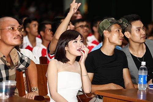 """""""Hot girl"""" Tú Linh choáng váng vì MU - 12"""