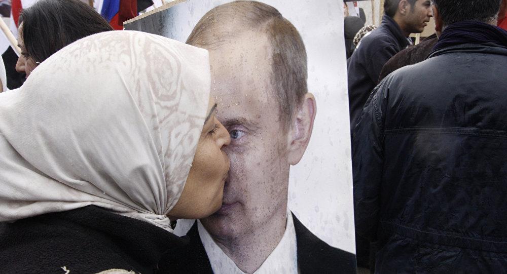 """Nhà báo Anh: Nhiều người Syria xem Nga là """"vị cứu tinh"""" - 1"""