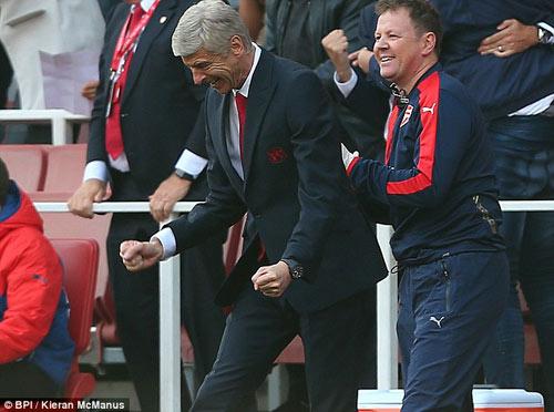 20 phút của Arsenal, 20 năm của Wenger - 2