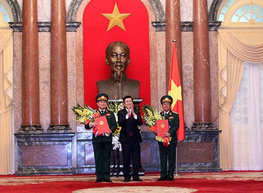Chủ tịch nước phong hàm Đại tướng cho hai Thượng tướng - 1