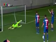 Bóng đá - Trận bóng đá kỳ dị: Đá theo góc nhìn của… trần nhà