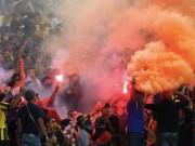 Bóng đá - Tin HOT tối 5/10: Malaysia bị xử thua vì CĐV đốt pháo