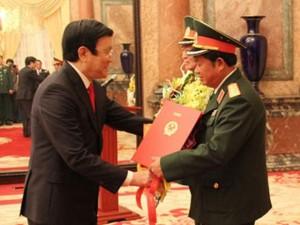 Chủ tịch nước phong hàm Đại tướng cho hai Thượng tướng