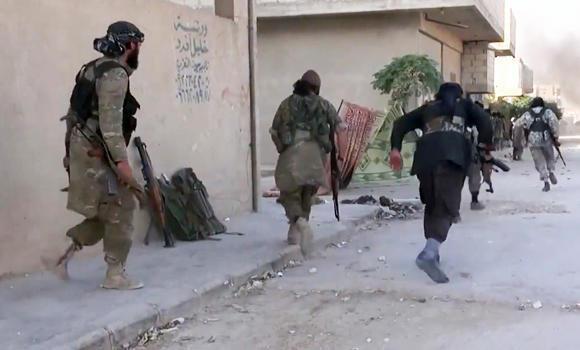 3.000 chiến binh khủng bố tháo chạy khỏi Syria vì sợ Nga không kích - 1