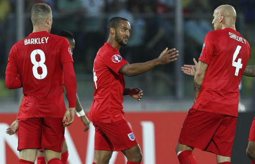 ĐT Anh: Chỗ của Rooney nên dành cho Theo Walcott - 2